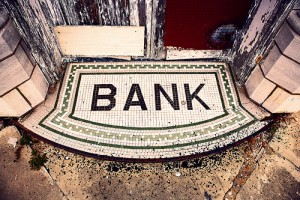 Step by Step Guide to Changing Banks and Avoiding New Bank Fees